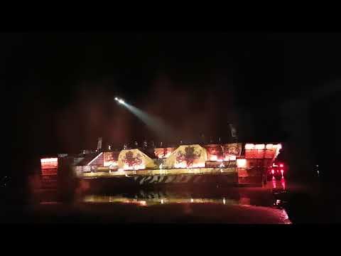 War of 3 kingdoms China show boat scene acrobatics