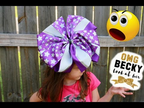 Just Look at her bow! / The world's largest hairbow ?!?! 😂