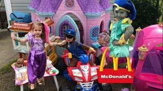 Shimmer And Shine Disney Princess Carriage Castle Mcdonalds Free Food Drive Thru