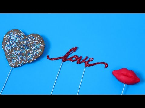 3 DIY VALENTINE'S DAY CAKE TOPPERS!