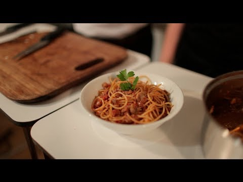 Cooking for Students - How to make Spagetti Bolognese