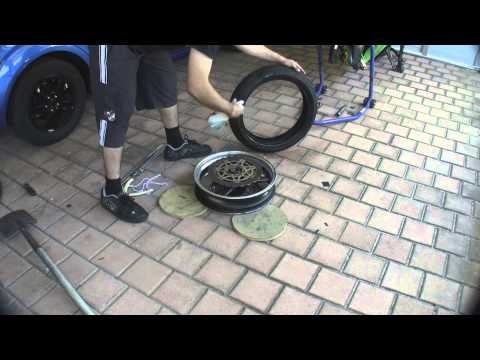 How to change a tyre your self