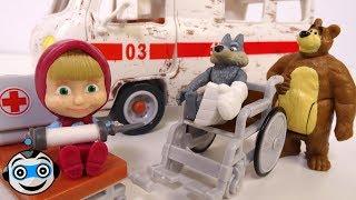 La ambulancia de Masha 🚑  Juguetes de Masha y el Oso