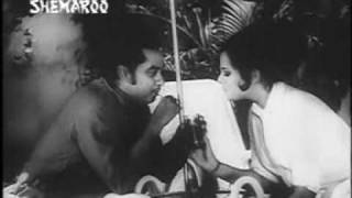 Kishore Kumar & Mumtaz in Pyar Diwana (1972) - Nice song...