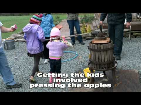 Making Apple Cider With Antique Press
