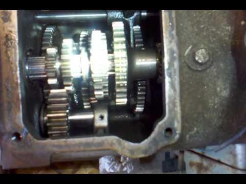 Yanmar YM2000, inside the gear box. Part 1