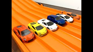 RACE: LAMBORGHINI , Series 1, Race 2 - Hot Wheels