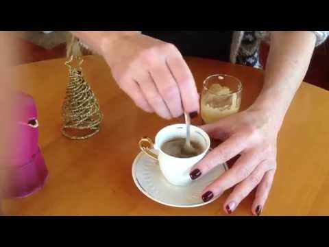 How to make a perfect Italian Espresso coffee with the moka pot and handmade CREAM