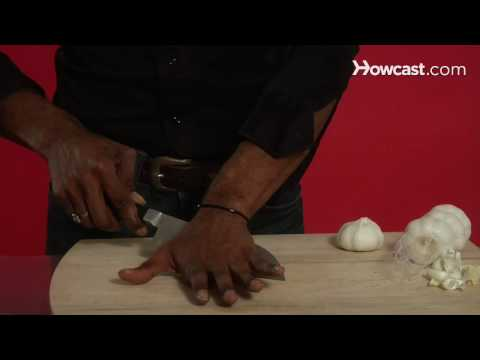Quick Tips: How to Remove Garlic Skins Easily