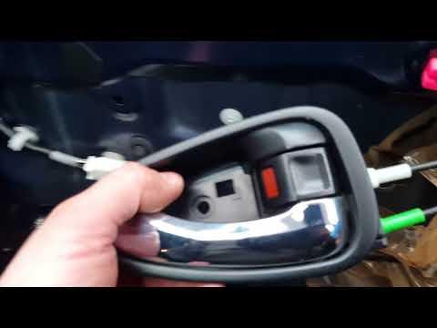 New Toyota Avensis door cover, window mechanism/regulator and window removal/replacement.