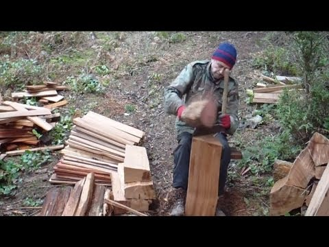 Splitting Shakes from Western Red Cedar Blocks by Hand