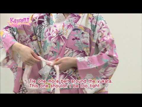 Kawaii Tutorial #14 - How to Wear YUKATA (Traditional Japanese Summer Kimono) With Ayumi Hoshino