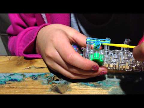 HOW TO MAKE A FISHTAIL LOOM BAND RING (EASY)