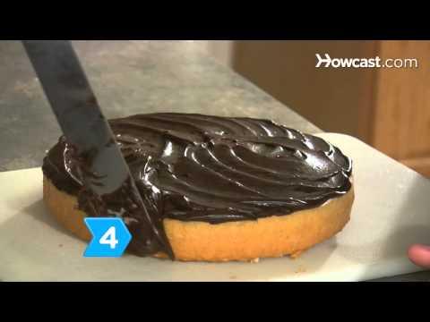How to Make a Cake Shaped like a Hamburger