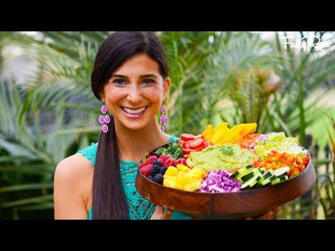 FullyRaw Rainbow Salad & Low-Fat Guacamole!