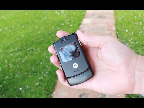 Looking Back - 2004 - Motorola RAZR V3