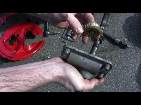 Troy-Bilt MTD Storm 2620 Snowblower Auger Gear Repair - Part 1