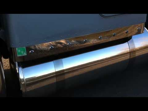 Aluminum polishing on a Peterbilt