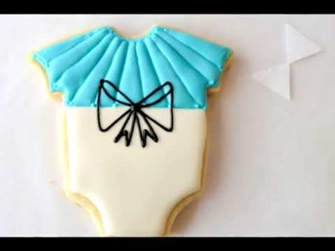 How To Make Simple Royal Icing  Bows on Cookies