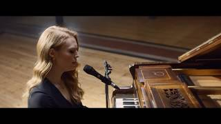 Freya Ridings  Lost Without You Live At Hackney Round Chapel