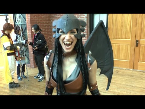 TOOTHLESS! Byndo Gehk's Awesome How To Train Your Dragon Cosplay