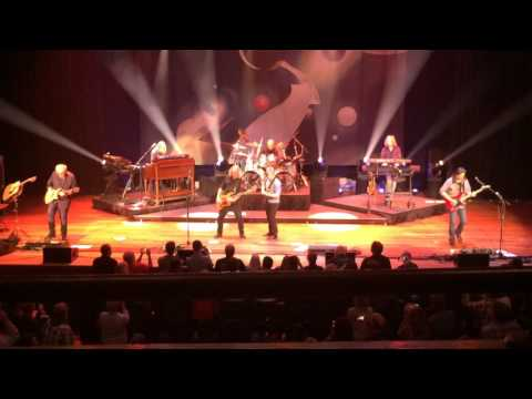 Kansas live at the Ryman Auditorium - October 8, 2016 - Carry On Wayward Son/The Wall
