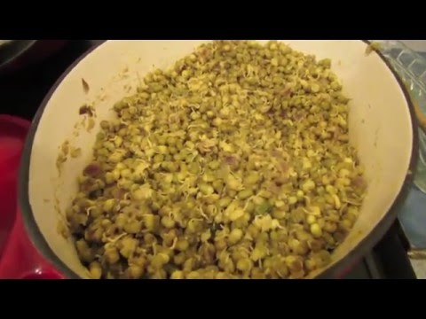 How to make sprouted mung beans the Indian way