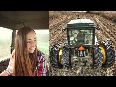 Teaching Her To Drive A Tractor! (John Deere 4640)