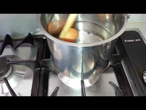 How to hard boil eggs keeping yolks in its middle!
