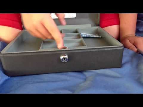 How to open a safe with no key