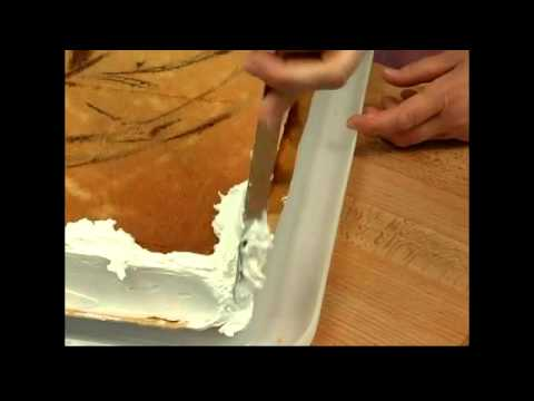 Adding Frosting To The Sides Of Sheet Cake