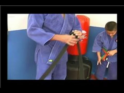 Judo for Kids : How to Tie a Belt in Judo for Children