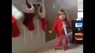 Chikkudu Kaya chettu kinda uyyalo song on little foreign girl