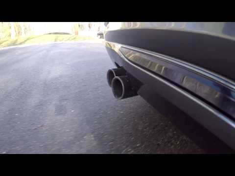 Sound comparison: AWE Tuning vs. stock exhaust on a BMW 328i xDrive (F30)