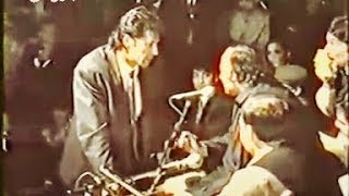 "Rare Footage of Imran Khan Requesting Ustaad Nusrat Fateh Ali Khan for  ""Ali Da Malang"""