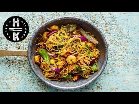 Singapore chow mein noodles