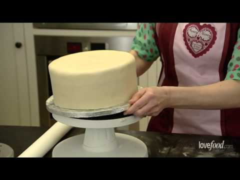 How to marzipan and ice a cake