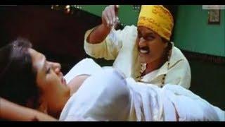 Bhuvaneswari very hot and sexy scene in sari