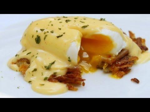 Hash Brown Benedict - Hollandaise Sauce - Poached Eggs