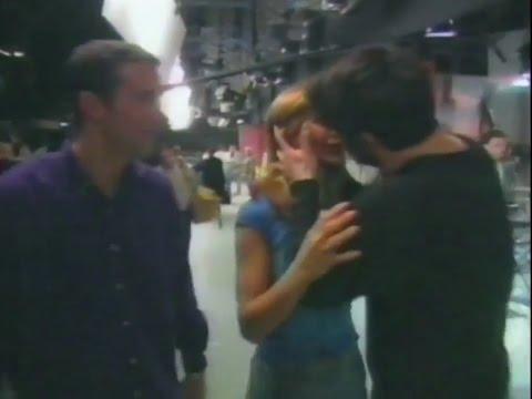Matt LeBlanc kisses Jennifer Aniston 1998