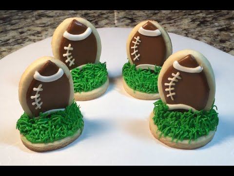Mini 3D Football Cookies For Super Bowl (How To)
