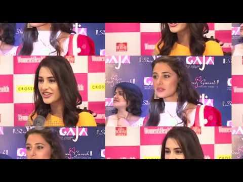 Xxx Mp4 OOPS Alia Bhatt FLASHED Her White INNER WEAR 3gp Sex