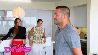 The Bella Family learns how to walk the red carpet: Total Divas Bonus Clip: Jan.18, 2017