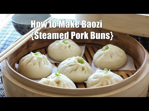 How to Make Steamed Chinese Meat Buns (Baozi) 包子