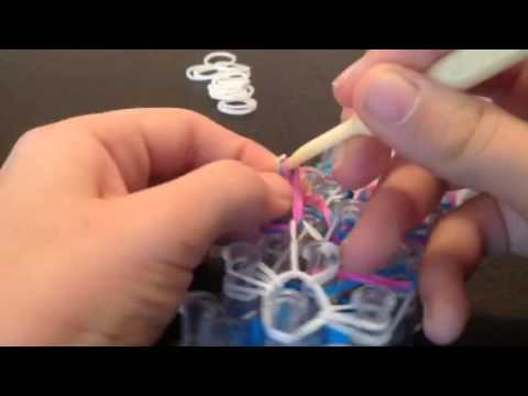 How to make the rainbow loom bow tie bracelet part 1!!!!