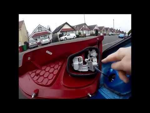 Replacing Brake light on 09 Ford Fiesta