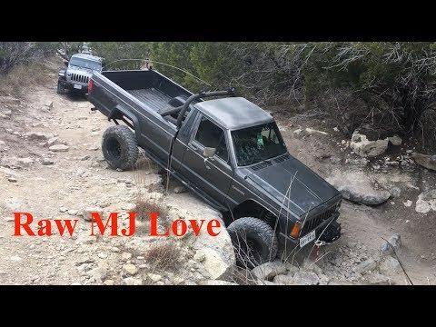 Jeep Comanche MJ Rock Crawling - Hidden Falls Adventure Park - S2E23