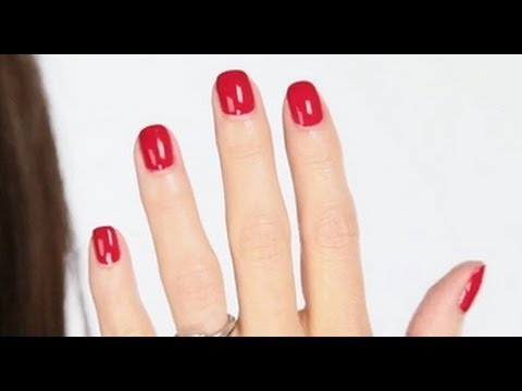 Lisa Eldridge - Shellac Nails Tutorial