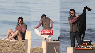 Keanu Reeves Bares It All After A Dip In The Ocean!