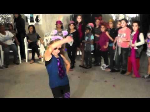 Scene 2 : Daniella's Make your own Music DVD 9th Birthday Party Music Video